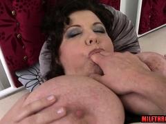 Big titties matured pov and cumshot