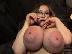 Unpretentious tits pornstar sex with cumshot